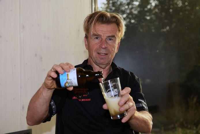 Johan Claes van brouwerij Broeder Jacob lanceert pilsbier Bidon.