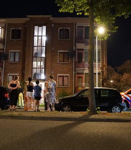 Bewoner is 'hobbymatig bezig' in kelderbox Deventer en veroorzaakt gaslucht: medebewoners 's nachts twee uur lang op straat