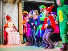 Sinterklaas wipt coronaproof aan op basisscholen en kinderdagverblijven in de regio: 'Groot succes!'