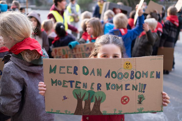 MECHELEN De Mechelse klimaatmars is een lokale actie van Youth For Climate Mechelen. Vertrek en aankomst op de Grote Markt. Alle Mechelse scholen zijn uitgenodigd