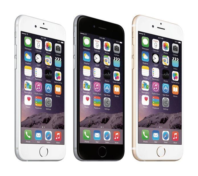 De iphone 6 en zijn grote broer de 6PLUS die Apple in 2014 introduceerde. Inmiddels werken veel exemplaren door de verouderende accu beduidend trager