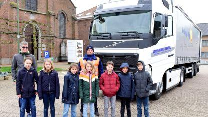 Leerlingen ontdekken de dode hoek bij vrachtwagens