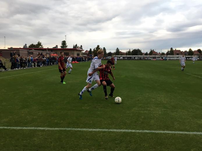Duel in de derby tussen Reaal Dronten en Swift'64. Foto: Wouter Foppen