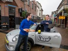 Dat kan slimmer, dacht havo-scholier Tijs (18). Apeldoornse restaurants omarmen zijn nieuwe bezorgdienst Chow
