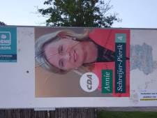 CDA in Almelo niet blij met enorme posters Annie Schreijer: 'Onbekende wildplakkers actief'