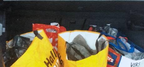 Waalwijkse hardrijder (21) op A2 aangehouden met achterbak vol amfetamine