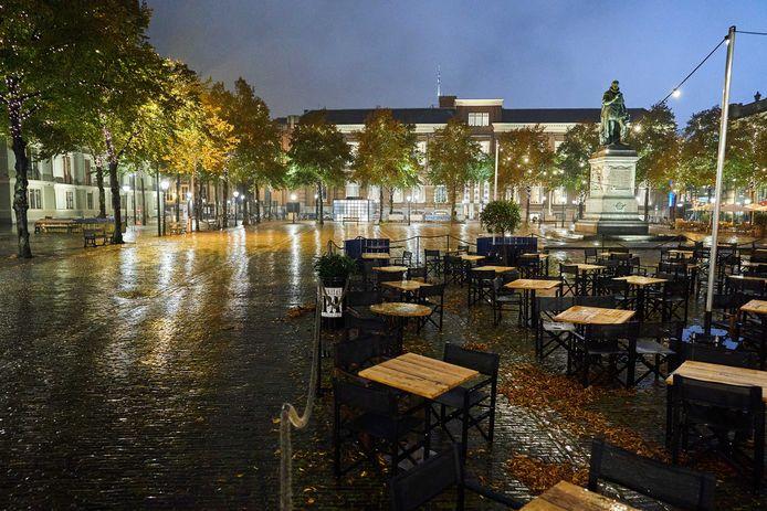 Lege terrassen: een beeld dat we de komende drie weken in elk geval na 22.00 uur zullen zien.