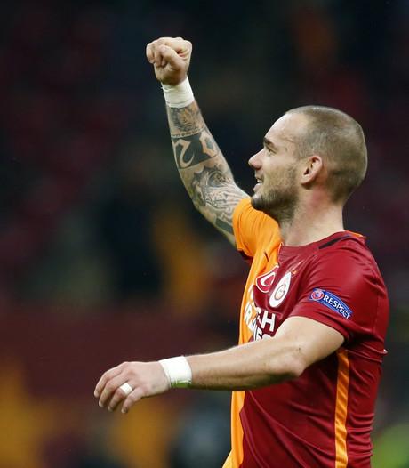 Gala met Sneijder naast Fenerbahçe na zege