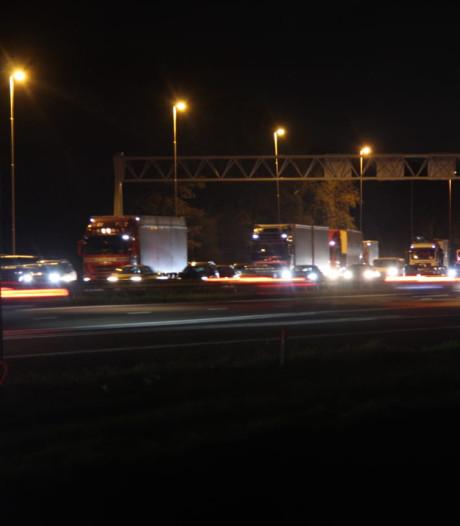 Lange file tussen Deventer en Holten na kop-staartbotsing op A1