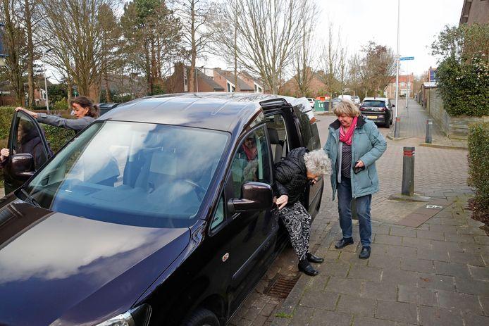 Het AutoMaatje draait op ruim tweehonderd plaatsen in Nederland, zoals in Dirksland (foto). Vanaf 1 mei ook in Etten-Leur.