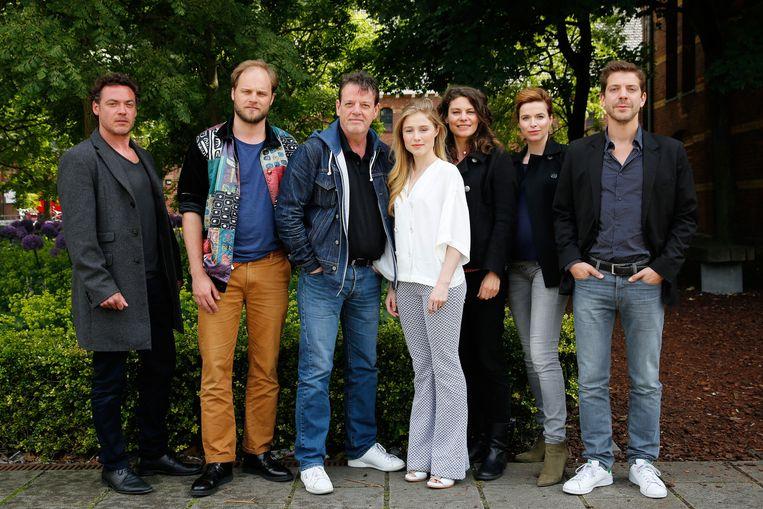 De cast tijdens de presentatie van het derde seizoen van de serie Overspel Beeld ANP