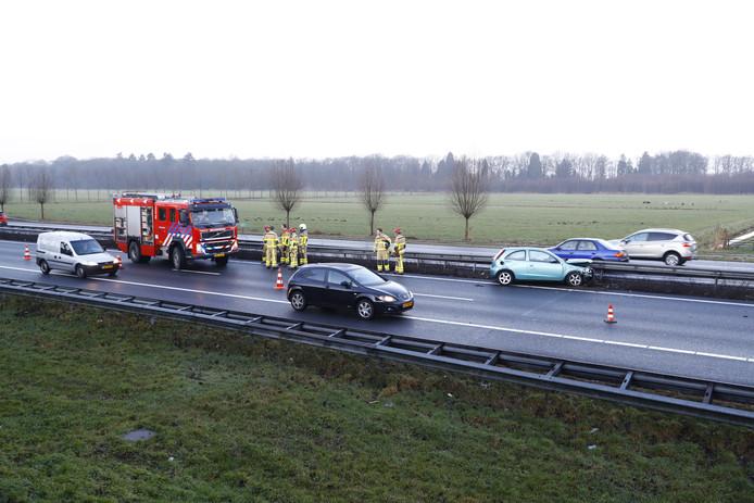 De rijbaan afgezet bij Wezep. Foto: News United / Stefan Verkerk