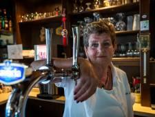 Gezichten van de horeca: Tonnie van Café Dokus in Best wacht niks af