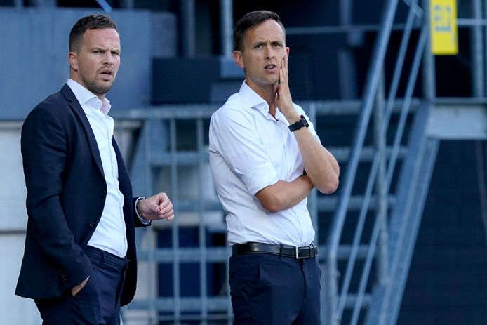Algemeen directeur Frank van Mosselveld van RKC Waalwijk met clubarts Tim Baijens.