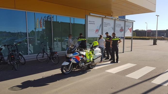 Scooterrijder gewond na aanrijding bij IKEA aan de Biograaf in Duiven