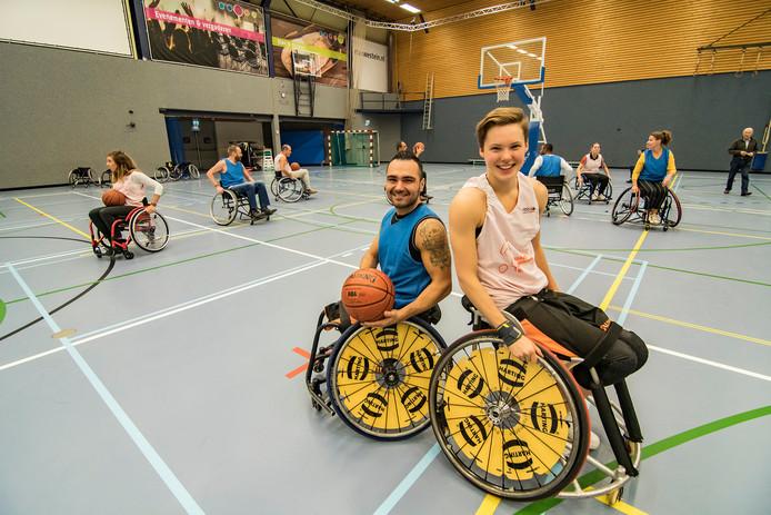 Mustafa Korkmaz en Bo Kramer. Sportcomplex Merwestein in Nieuwegein heeft sinds kort een experience center voor rolstoelbasketbal. In het complex is alle ruimte voor de beoefening van rolstoelbasketbal en is er een showroom met pasruimtes.