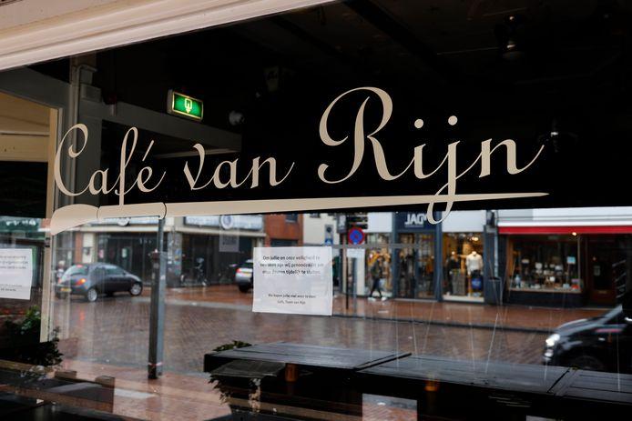 Café van Rijn gesloten vanwege Corona. Nijmegen, 3-9-2020 .