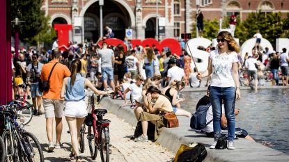 Amsterdam treedt harder op tegen overlast veroorzakende toeristen