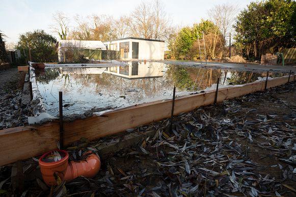 De fundamenten voor het nieuwe huis zijn intussen gegoten.