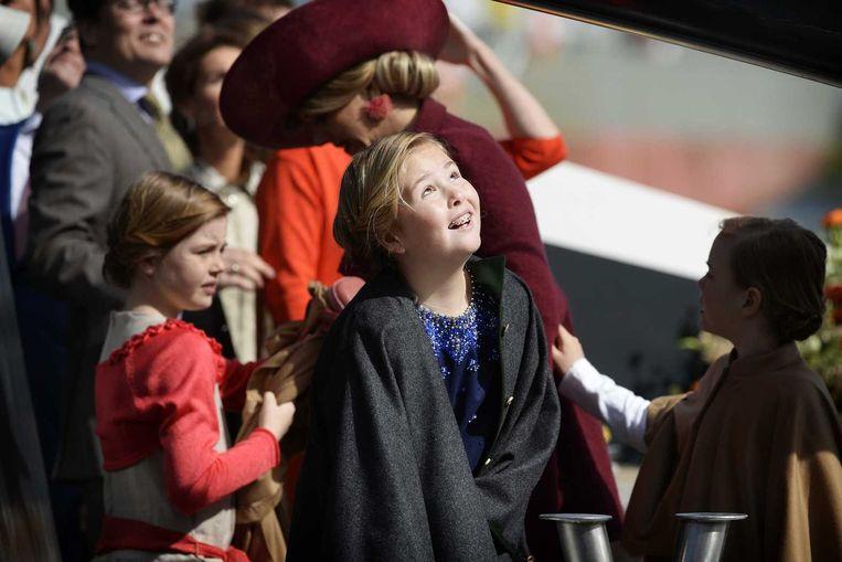 Prinses Ariane, prinses Amalia en koningin Maxima arriveren per boot tijdens Koningsdag Beeld anp