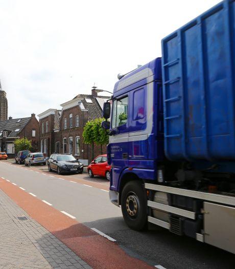 Vrachtwagens niet welkom in Groot-Ammers, maar handhaven wordt lastig