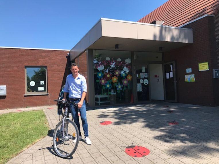 Schepen Kenny Ketels promoot de fiets.