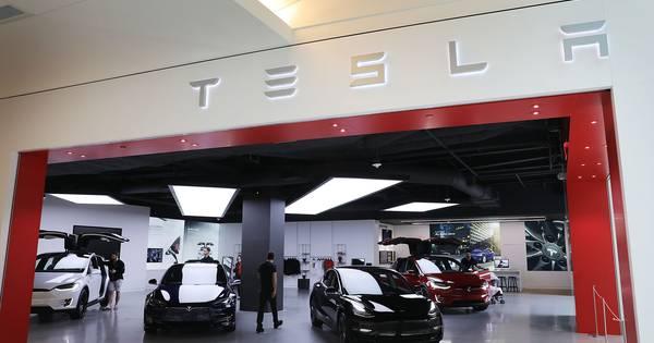 Vervuilend Fiat-Chrysler drukt uitstoot door schijnconstructie met Tesla