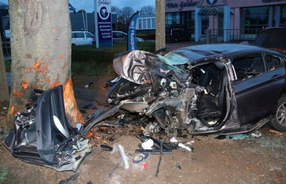 De 27-jarige Herentalsenaar liet het leven nadat hij met zijn wagen tegen een boom terecht kwam op de Geelseweg in Herentals.