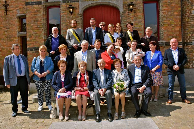Adrien Willems en Mariette Restiaens vieren hun diamanten huwelijk.