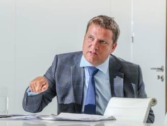 """INTERVIEW. Econoom Ivan Van de Cloot: """"Laat ongezonde bedrijven failliet gaan, we moeten inzetten op scholing"""""""