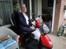 Zieke Roely (72) vecht voor scootmobiel: een paar meter strompelen doet al pijn