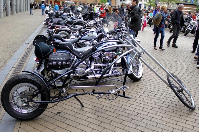 Gezien tijdens de Harley dag 2013 in Apeldoorn waar het weer gezellig druk was in de binnenstad.