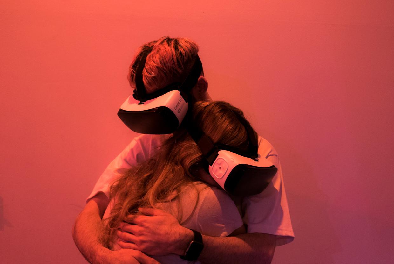 VR Hug, een werk van de kunstenaar Tom Galle