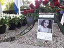 Elk jaar legt André Verhoeven uit Berkel-Enschot speciaal voor Anne Frank een krans bij Dodenherdenking in Oisterwijk