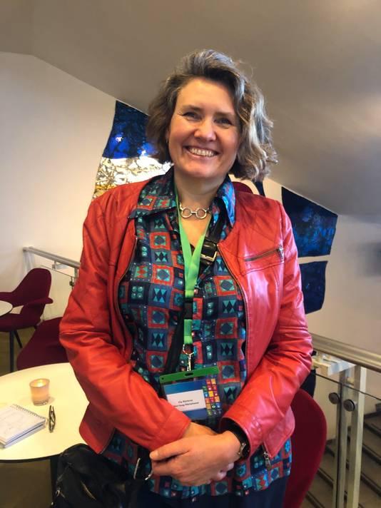 Elly Rijnierse is actief rond de energietransitie in de wijk  Mariahoeve in Den Haag; hier op de duurzaamheidsmarkt in het Parktheater in Eindhoven.
