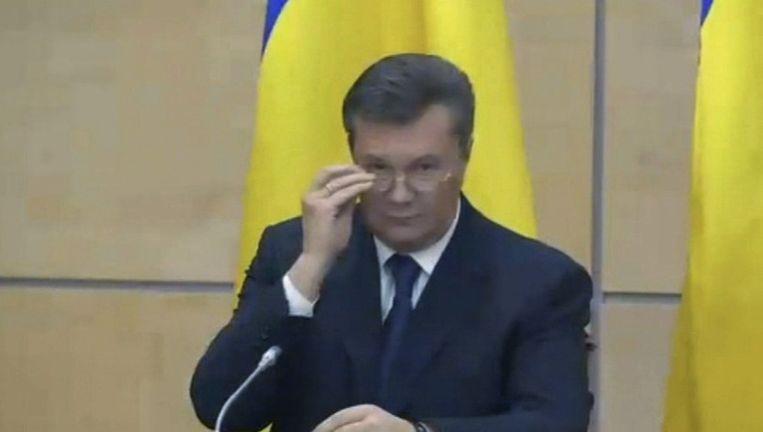 Janoekovitsj geeft een persconferentie in de Russische stad Rostov. Beeld ap