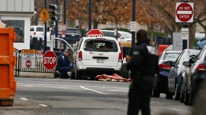 Vrouw rijdt in op slagboom aan Witte Huis