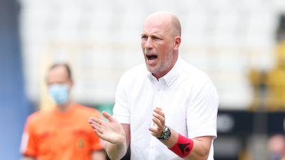 """""""Wie twee klappen krijgt, moet rechtstaan"""": Clement eist reactie maar mist mogelijk Dennis, Mitrovic halfjaar out"""