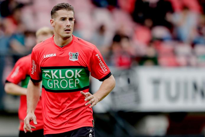 Sven Braken werd deze week vader van een zoon en miste drie trainingen bij NEC. Hij begint waarschijnlijk op de bank.