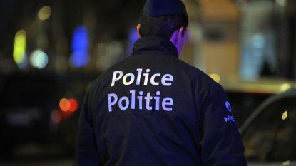 Dronken Lokerenfan krijgt lift van Antwerpsupporters maar denkt dat hij ontvoerd wordt: ongeval nipt vermeden