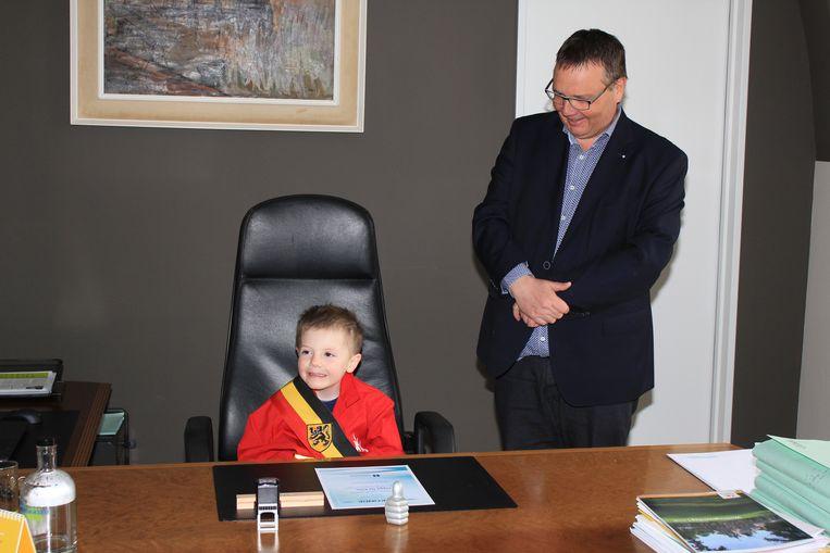 De toekomstige burgemeester van Hemiksem op bezoek bij de huidige.