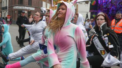 Foto's: Carnaval trekt door de straten van Sint-Amandsberg