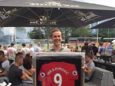 Hengeloër betaalt 900 euro voor shirt Zlatan Ibrahimovic
