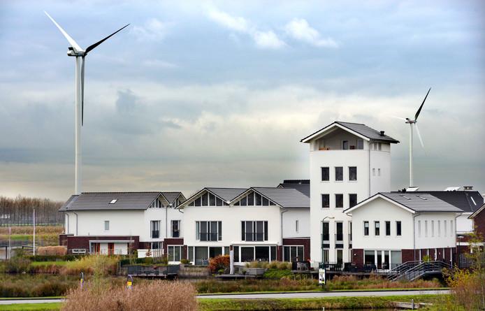 Windmolens in Houten gaan op proef minder draaien in de nacht, maar vaker overdag.