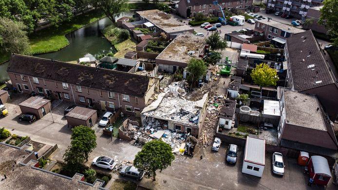 De schade na de gasexplosie in de 32ste straat Hillekensacker in het Nijmeegse stadsdeel Lindenholt.
