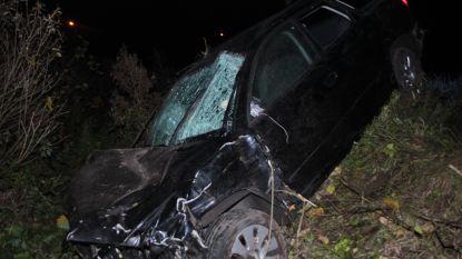 Terreinwagen belandt in gracht naast E403 in Moorsele