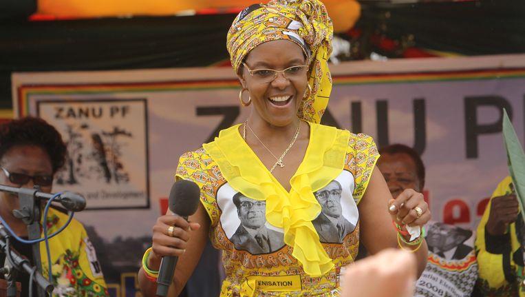 Grace Mugabe tijdens een partijbijeenkomst. Beeld ap
