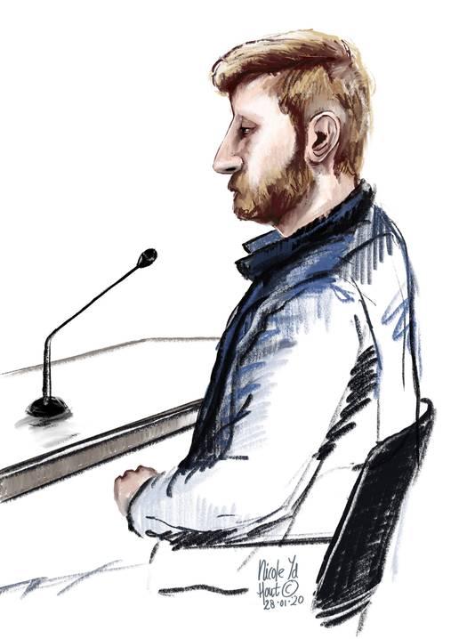 De verdachte van de moord op Ab en Geke Meenink in het Gelderse Hengelo tijdens de zitting.