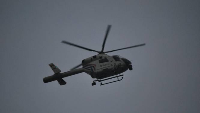 Politie houdt klopjacht op inbrekers met behulp van politiehelikopter