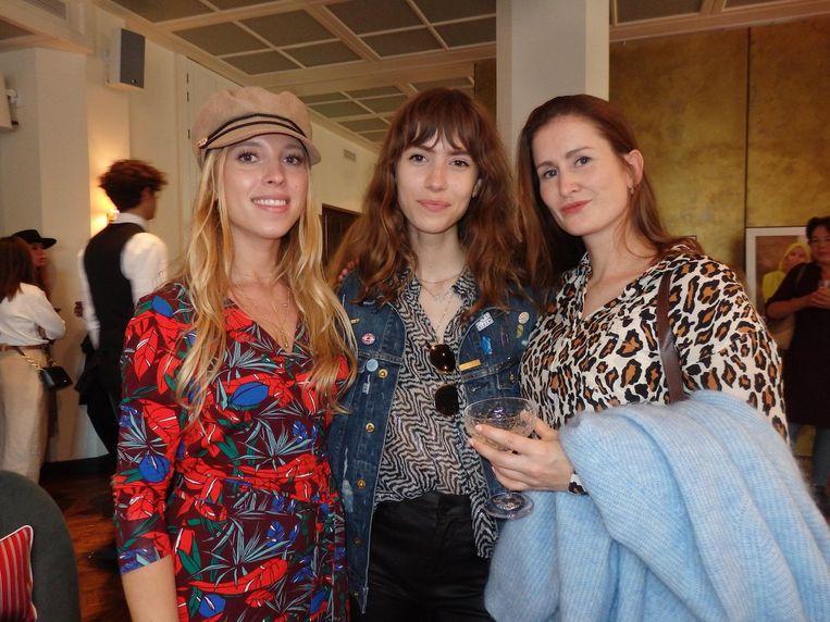 Lisa van der Heide (Elegance), Pip Peters (Marie Claire) en Annemarie van der Ven (Enfait Magazine): 'Ik heb het al op Instagram gezet' Beeld Hans van der Beek